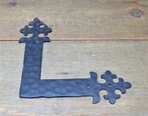 "Load image into Gallery viewer, Potuguese Gothic Iron ""L"" Strap"