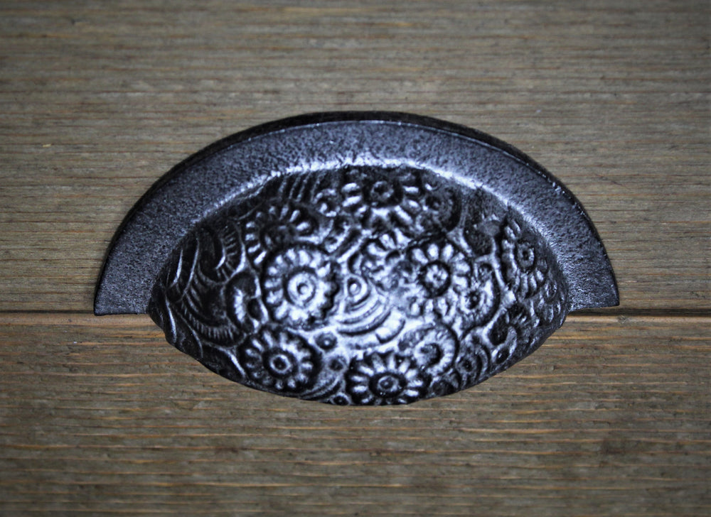 Floral Embossed Cup Pull