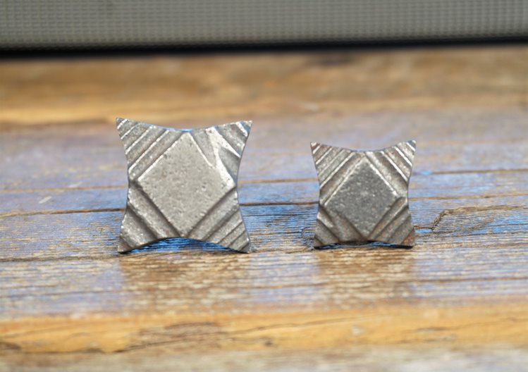 3/4 Ornate Tapered Square Clavos