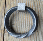 Twisted Base Ring Pull