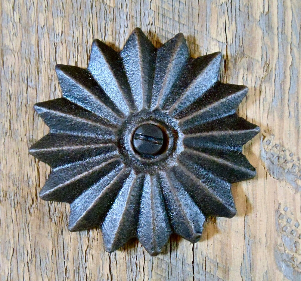 Load image into Gallery viewer, HRC-04 Neo-Classical Iron Rosette