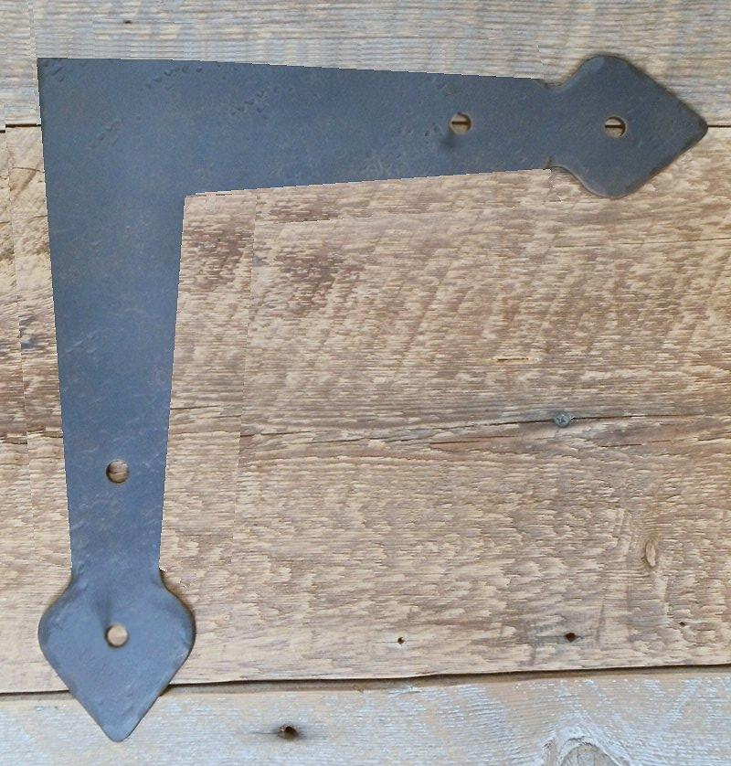 "Neo-Classical Iron ""L"" Plate"