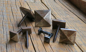 "3/4"" Pointed Pyramid Head Screw"