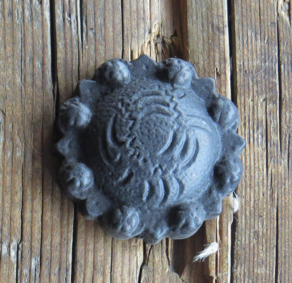 "Load image into Gallery viewer, 1 5/8"" Western Concho Iron Nail"