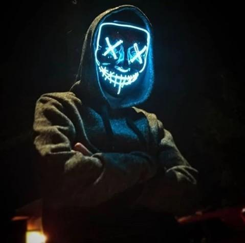 GRATIS GAVE: Halloween LED Light up maske!