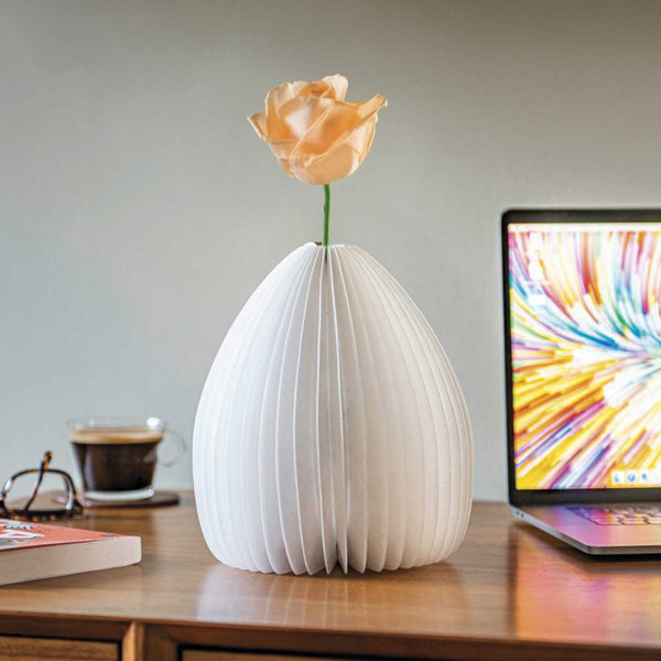 smart vase lamp by gingko from designist