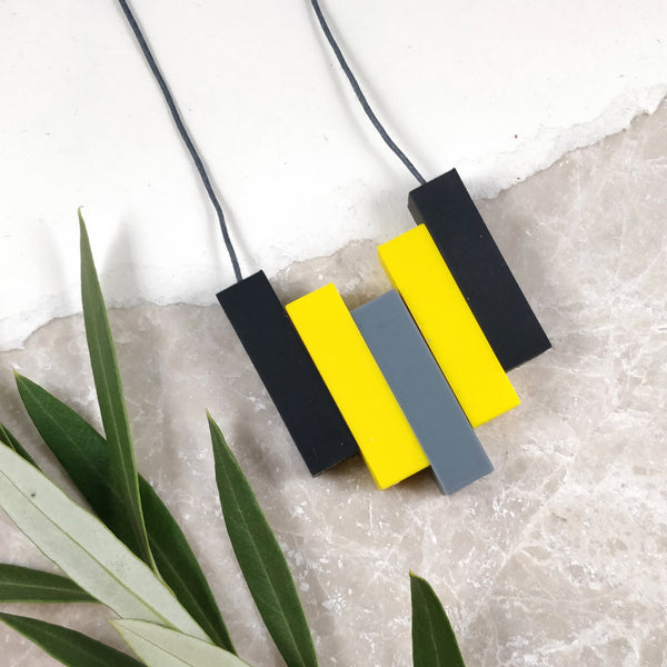 Silicone Necklace - geometric in black and yellow