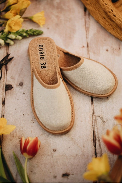 Woman's Vegan Flax Slippers - ONAIE