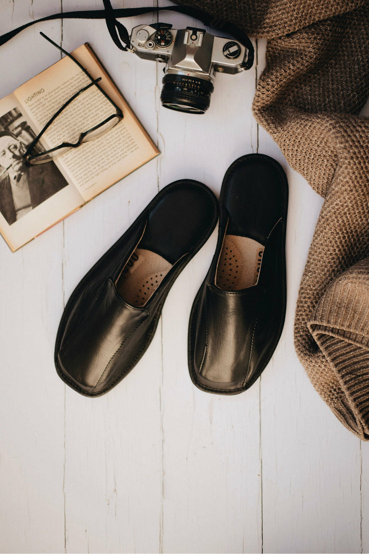 Men's Black Leather Slippers - ONAIE