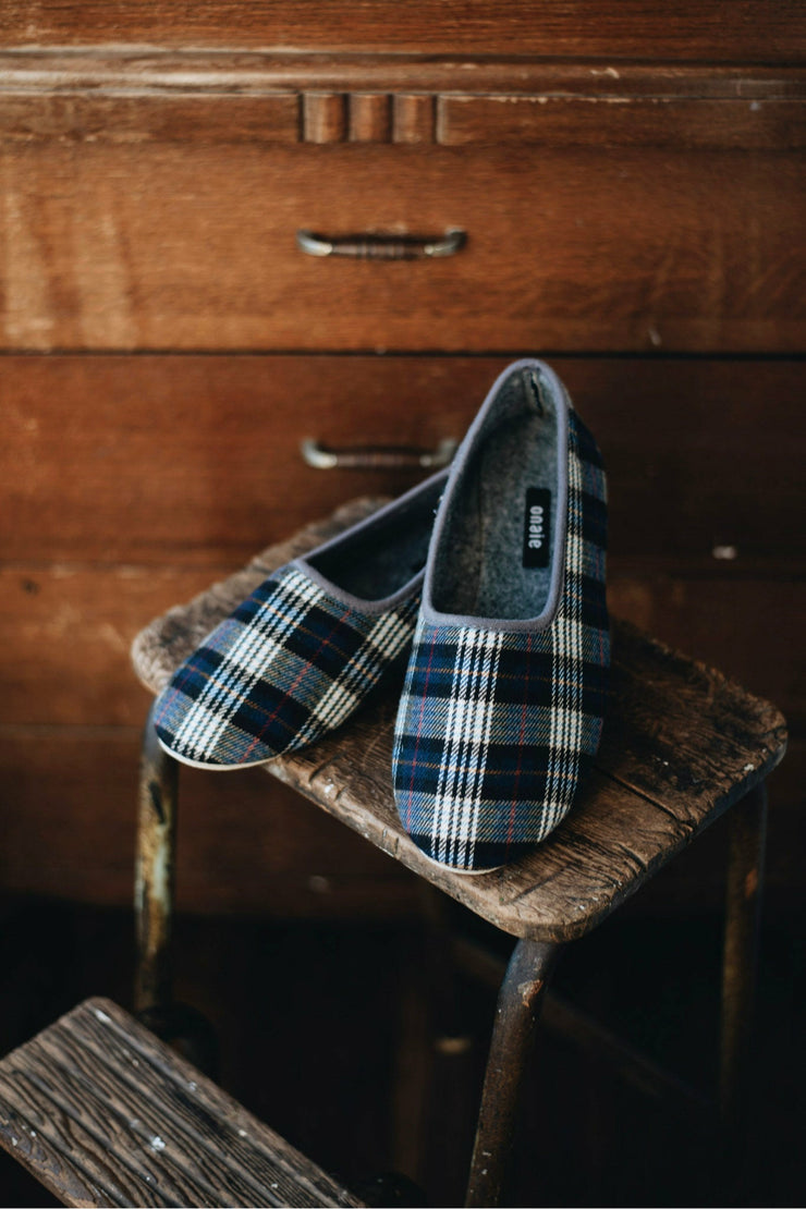Men's Felt Navy Check Slippers - ONAIE