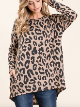 Load image into Gallery viewer, Plus Size Knit Leopard Sweater Tunic