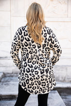Load image into Gallery viewer, Ivory Leopard Print Hi-Low Tunic Top with Pockets (Plus Option)