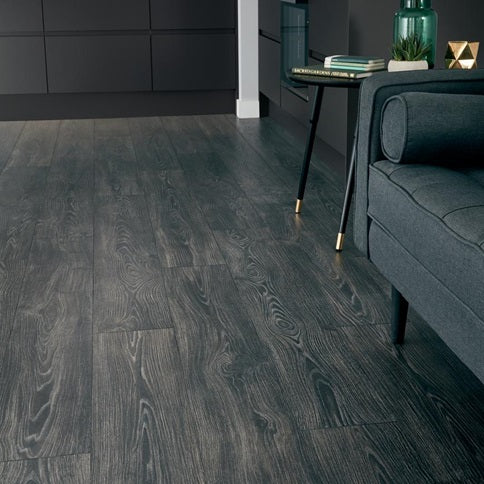 Black Oak Laminate Flooring 1.99m² Pack