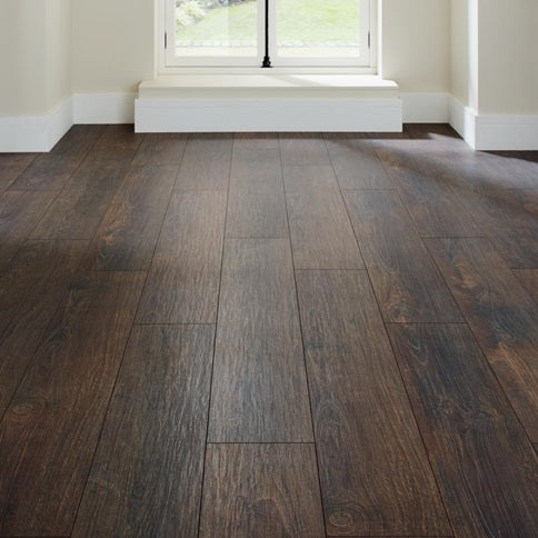 Dark Oak Laminate Flooring 2.22m² Pack