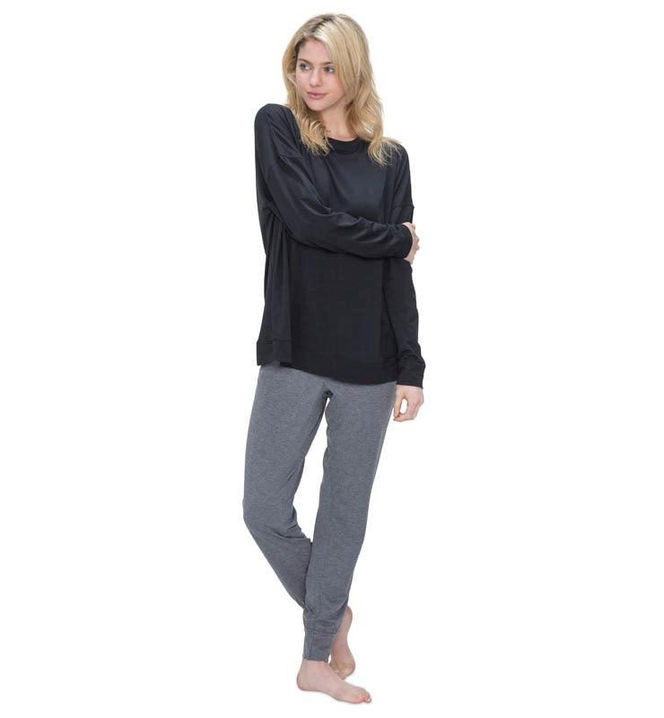 828 Women's Long Sleeve Easy Tee black front