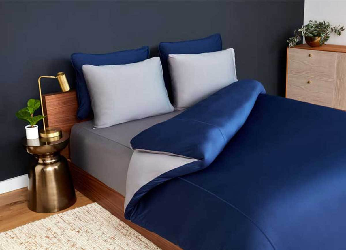 Duvet cover on bed in bedroom environment #choose-your-color_navy-graphite