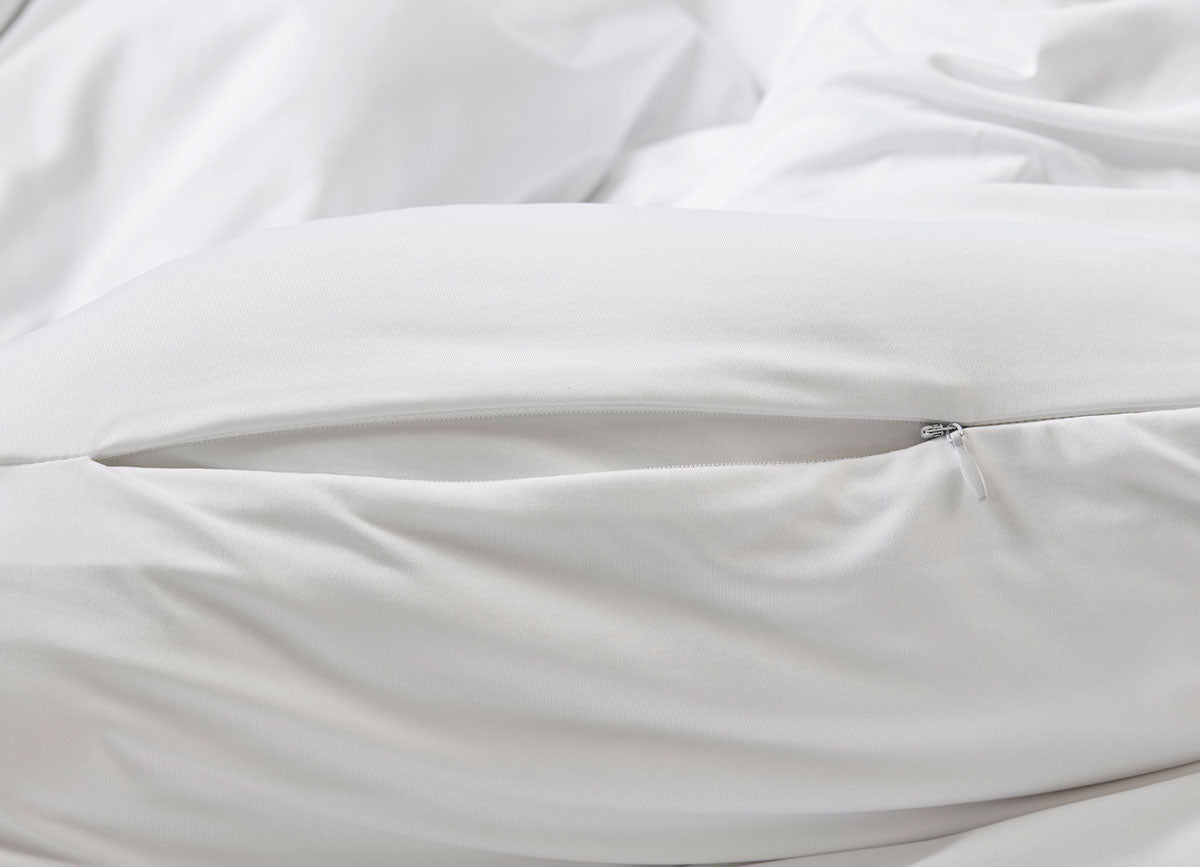 Bright White Duvet Cover close up of hidden zipper #choose-your-color_bright-white