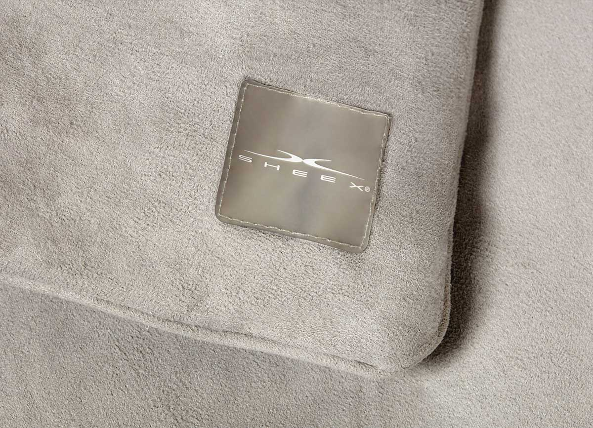 SHEEX CALM + COOL Weighted Blanket Detail Image of Tag