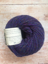 Load image into Gallery viewer, New Lanark Chunky Wool