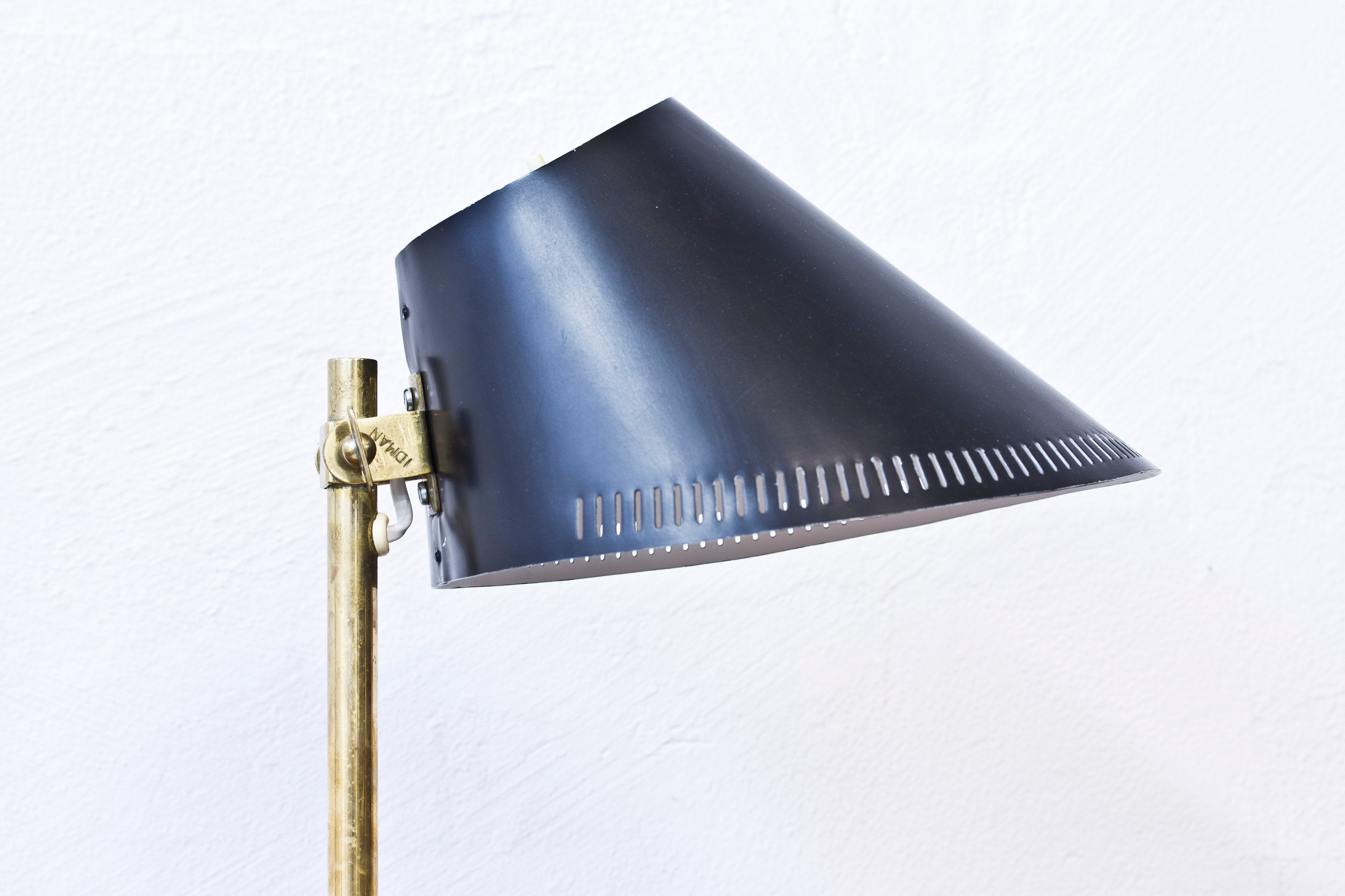 1950s table lamp by Paavo Tynell