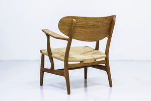 "Early ""Ch 22"" easy chair by Hans J. Wegner"