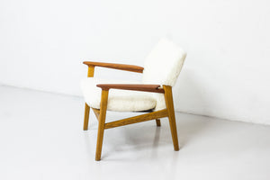 Lounge chair 9015 by Hans Olsen