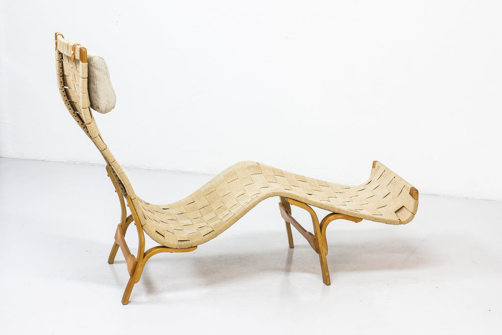 Chaise longue in the manner of Bruno Mathsson