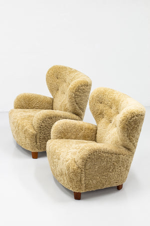 Lounge chairs attributed to Flemming Lassen
