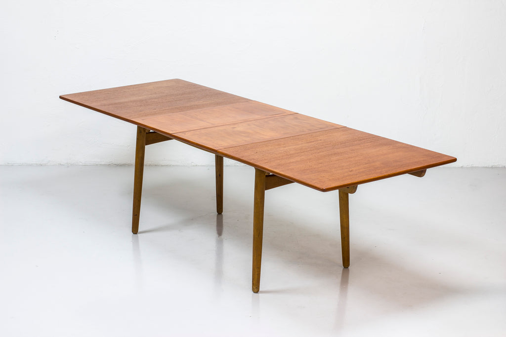 """AT-310"" dining table by Hans J. Wegner"