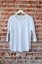 Load image into Gallery viewer, Classic 3/4 Sleeve Round Neck Top