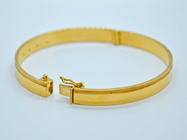 22ct Gold Cubic Zirconia 1 Piece Bangle