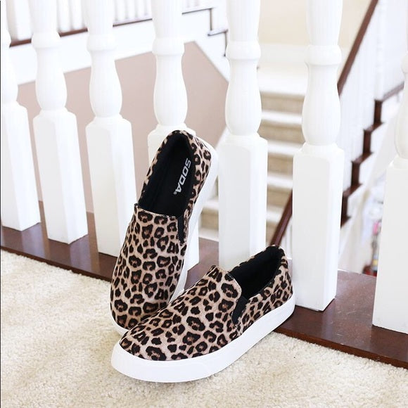 Soda Reign Oat Cheetah Causal Slip On White Sole Round Toe Boat Sneker Shoes