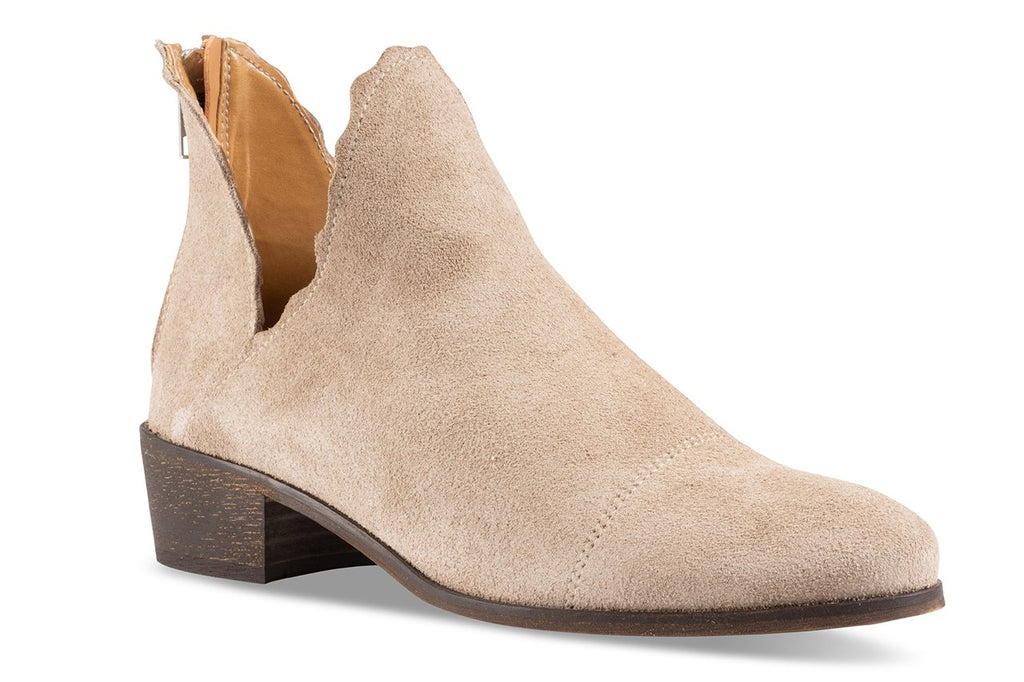 Klub Nico Women's Bae Scallop Bootie-Sand Low Cut our Fashion Ankle Bootie