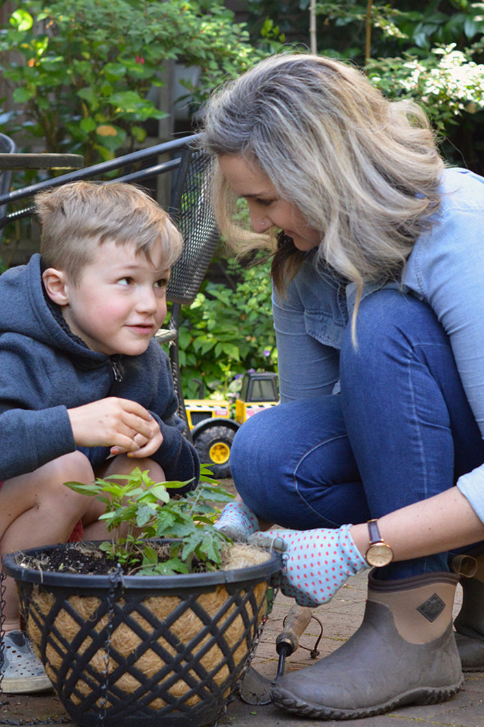 Easy peasy spring gardening projects for kids