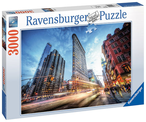 Ravensburger : Flat Iron Building Puzzle 3000pc - The Board Gamer