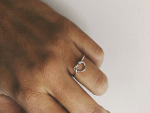 Pretzel thin ring