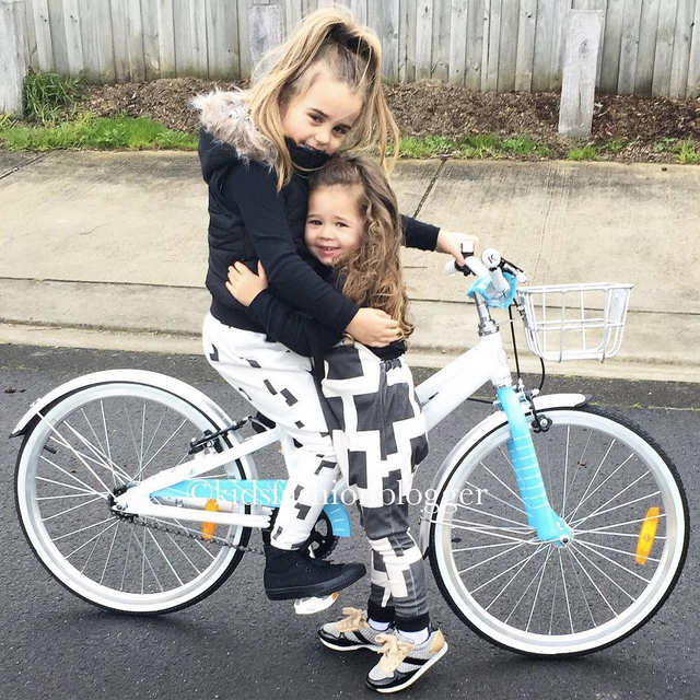 insta-kidsfashionblogger-girls-on-bikes-2-web