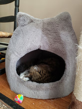 Load image into Gallery viewer, Fur Meow Cat Hut - Ivory
