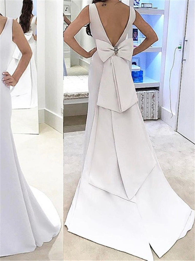 V-Neck Sleeveless Trumpet/Mermaid Tiered Hall Wedding Dress