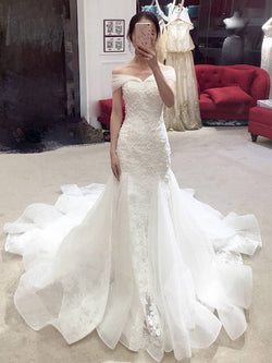 Off-The-Shoulder Trumpet/Mermaid Floor-Length Lace Church Wedding Dress