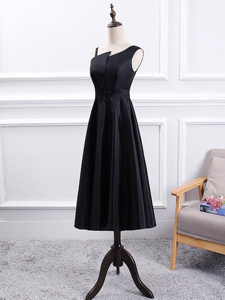 Embroidery A-Line Tea-Length Sleeveless Wedding Party Dress