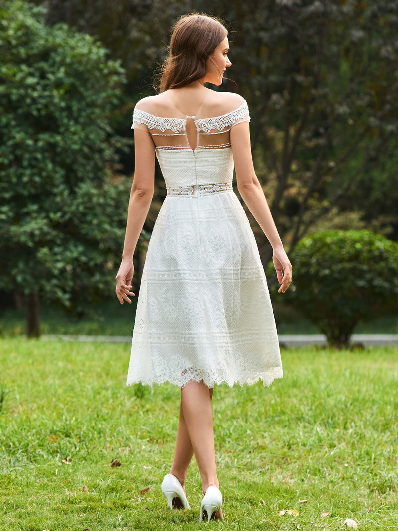 Knee-Length Lace A-Line Scoop Wedding Party Dress