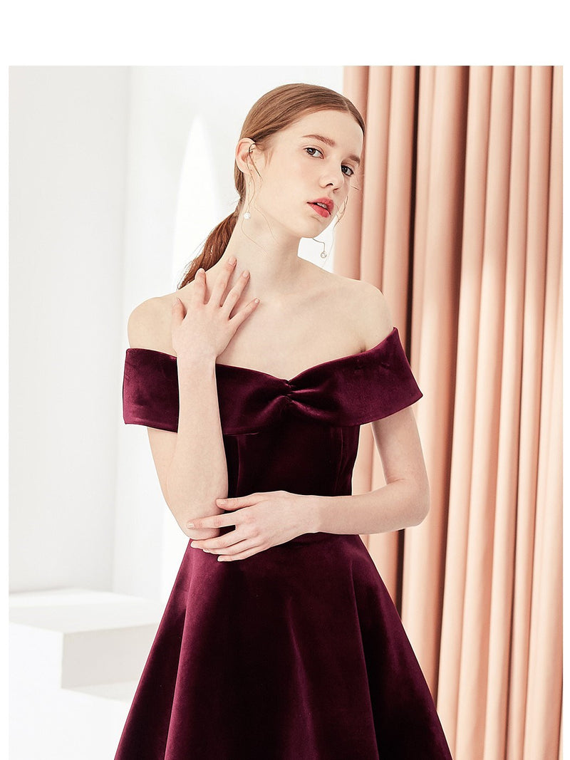 A-Line Off-The-Shoulder Pleats Short/Mini Cocktail Dress