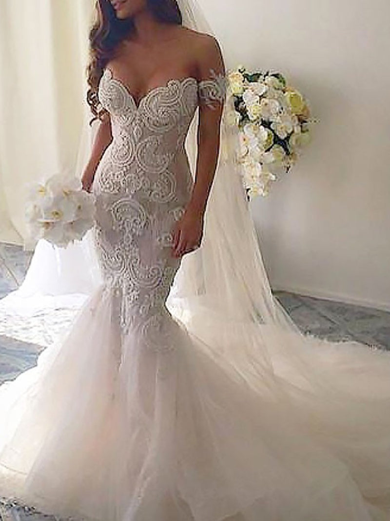 Appliques Floor-Length Sleeveless Chapel Hall Wedding Dress