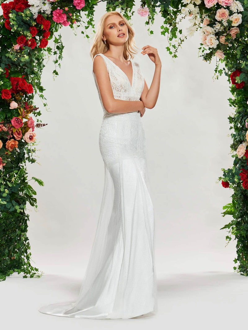 Lace Trumpet/Mermaid V-Neck Sleeveless Church Wedding Dress