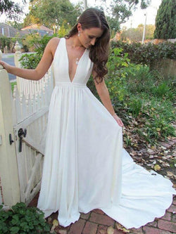 Sleeveless Court Floor-Length V-Neck Beach Wedding Dress