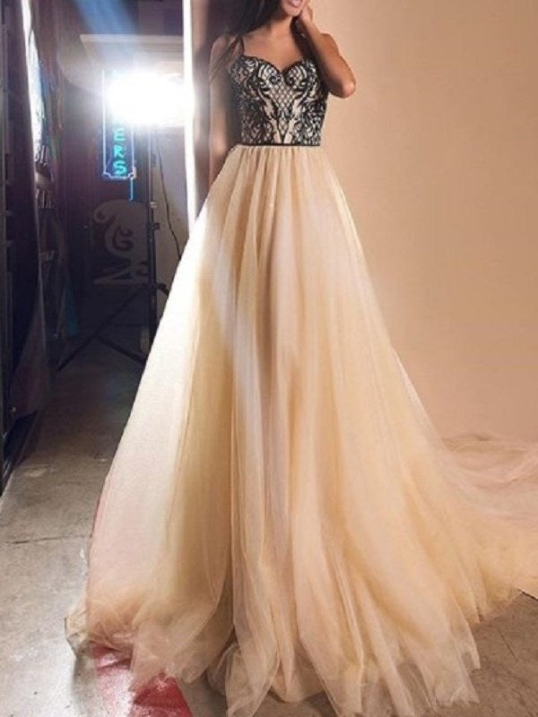 Appliques Spaghetti Straps Floor-Length Sweep/Brush Evening Dress