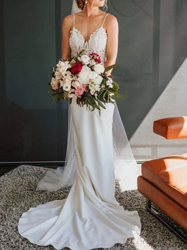 Sleeveless Sheath/Column Appliques Spaghetti Straps Garden/Outdoor Wedding Dress
