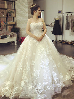 Cathedral Sleeveless Lace Sweetheart Garden/Outdoor Wedding Dress