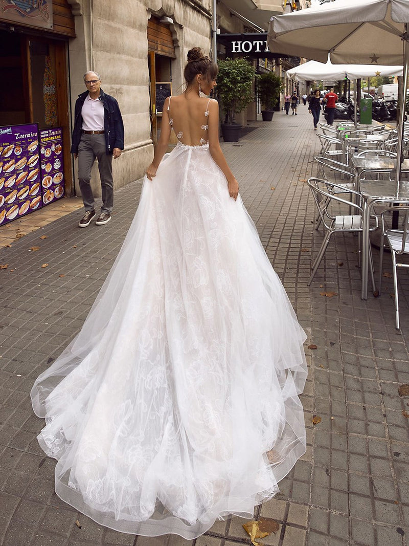 Appliques Spaghetti Straps Court Floor-Length Garden/Outdoor Wedding Dress